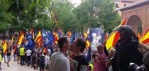 manifestacion-malasana-beso-gay